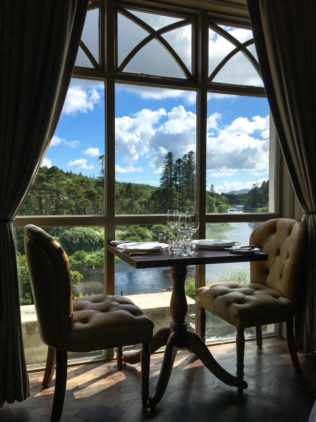 ballynahinch-dining-river-view